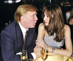 Two Experts Analyze Donald and Melania Trump& Body Language Over the Years Donald And Melania Trump, First Lady Melania Trump, Donald Trump Marriages, Makeup Tips For Redheads, Donald Trump Pictures, Marriage Pictures, Malania Trump, Intimate Photos, Sexy Cowgirl