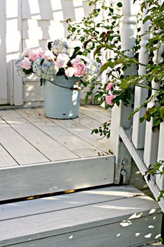 Shabby Chic galvanized bucket with fresh flowers for spring and summer
