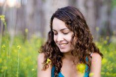 Descubre Cómo Prevenir La Caída Del Pelo Sin Salir De Casa.  La caída del pelo posee muchas causas que incluyen la dieta, los medicamentos, la deficiencia mineral, una enfermedad o el estrés grave y la genética. Si deseas aprender cómo prevenir la caída del pelo sin ... Ver más aquí: https://imagenesdepeinados.com/descubre-como-prevenir-la-caida-del-pelo-sin-salir-de-casa/