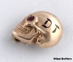 MYSTERY DT SKULL PIN - 10k Yellow Gold Garnet Vintage fraternity Secret Society