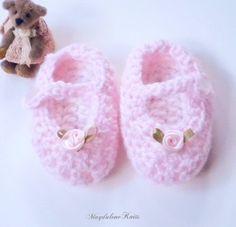 Baby Girl Crochet, Crochet Baby Booties, Baby Slippers, Handmade Baby, Baby Girl Newborn, Handmade Christmas, Pink Girl, Mary Janes, Baby Shower Gifts