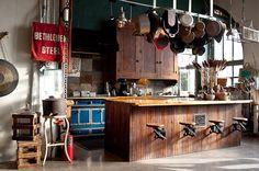 Friday Favorites – Kitchens