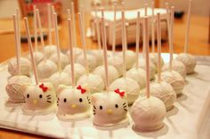 Hello Kitty. How cute are these for kids parties!?