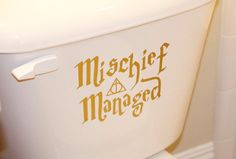 """""""Mischief Managed"""" Toilet Decal 19 Things You Need For Your Harry Potter-Themed Bathroom Harry Potter Bathroom, Harry Potter Decal, Harry Potter Houses, Wall Decals, Vinyl Decals, Wall Vinyl, Harry Ptter, Apartment Color Schemes, Bathroom Kids"""