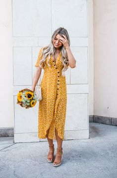 Maxi dresses and casual dresses. Summer Outfits, Cute Outfits, Summer Dresses, Western Formal Wear, Look Fashion, Fashion Outfits, Mens Fashion, Fashion Tips, Yellow Fashion