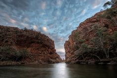 Ellery Creek Big Hole | Northern Territory Darwin Australia, Western Australia, Alice Springs Australia, Water People, Salt And Water, Holiday Destinations, Great Places, National Parks, Island