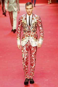 Dolce and Gabbana Menswear Spring Summer 2015 Milan - NOWFASHION; Crazy look but I still like it.