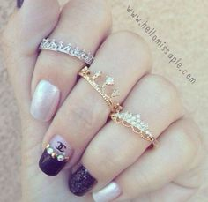 jewelry & nails