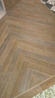 carrelage parquet en pose baton Hardwood Floors, Flooring, Tiles, House Design, Architecture, Cabinet, Diy, Home Ideas, Baseboards