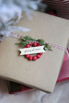 Mini Wooden Bead Wreaths gift package decoration or table place card how to from The Idea Room