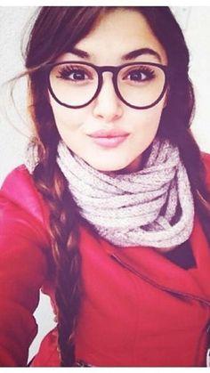 Hande Ercel Hayat Ask Laftman analmaz Most Beautiful Faces, Beautiful Girl Image, Beautiful Celebrities, Beautiful Actresses, Turkish Fashion, Turkish Beauty, Girl Photo Poses, Girl Photos, Beach Photos