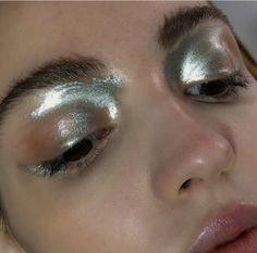 Girl // make up // silver eyes