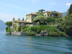 Villa Balbianello- Lenno, Italy on Lake Como. Ficus, Oh The Places You'll Go, Places Ive Been, Balustrades, Villa, Construction, Lake Como, Italy Wedding, Historic Homes