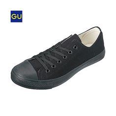 持ってる。普段履き用2。GU:キャンバスシューズ