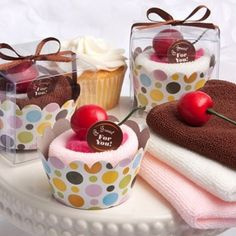 Asciugamano a forma di #cupcake vari colori