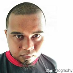 Salah satu tips agar tidak perlu menyisir rambut dan tentunya hemat shampo.