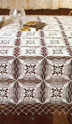 Tablecloth with pattern