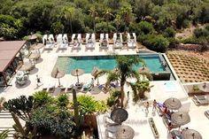 Zu Es Turo Beautiful Pools, Beautiful Places, Hotel Am Strand, Run Around, Smoking Room, Beach Chairs, Nice View, Best Hotels, Sun Lounger