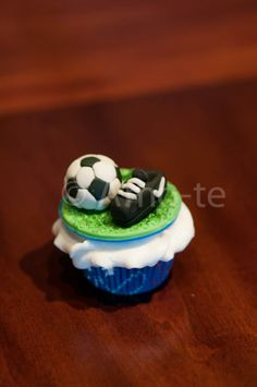 Soccer Cupcake Soccer Cupcakes, Cupcake Cakes, Party Ideas, Sports, Hs Sports, Football Cupcakes, Ideas Party, Sport, Cupcake