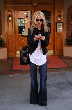 Just a Pretty Style: Street style oversize white shirt, blazer and trousers jeans