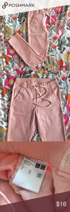 """Uniqlo pink jeans, elastic waist mid-rise (sz 4) Pastel pink skinny jeans from Uniqlo in great condition, with an elasticized waist and drawstring closure for comfort. Pockets are deep, large enough to fit your phone! 28.5"""" inseam, 10"""" rise Uniqlo Jeans Skinny"""