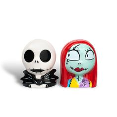 "Target Has New ""Nightmare Before Christmas"" Kitchen Items & They're As Spooktacular As They Sound Shark Halloween, Couple Halloween, Halloween Town, Halloween Costumes For Kids, Halloween Crafts, Halloween Decorations, Halloween Ideas, Christmas Crafts, The Nightmare Before Christmas"