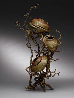 Deborah Muhl - a surprising mix of sculptural elements! Pine Needle Crafts, Rama Seca, Making Baskets, Pine Needle Baskets, Basket Crafts, Fabric Structure, Pine Needles, Gourd Art, Weaving Art