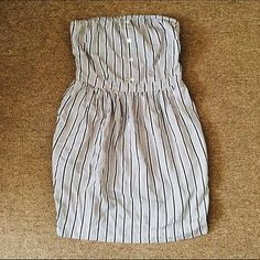 Silence + Noise Strapless Striped Top/ Shirtdress New Without Tags • Navy stripes • No stains or tears • Can be used as top or if you're short like me a dress with some spandex shorts or leggings • Don't like the price? MAKE AN OFFER! ☺️ silence + noise Tops Blouses