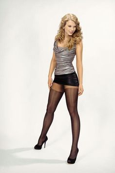 Taylor Swift.. Awesome pantyhose girl..