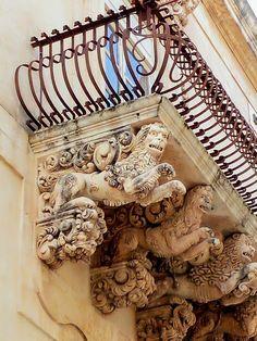 Noto balcone di Palazzo Nicolaci *
