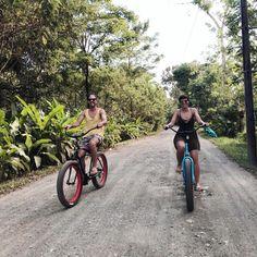 Exploring Puerto Jiménez and it's environment by bike. 🌴🚲