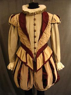 09026974 09021168 Doublet and breeches beige velvet with red C40 W37 (no flash).JPG