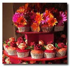Google Image Result for http://www.marthas-vineyard-vacation-tips.com/images/cupcake_wedding_cakes.jpg