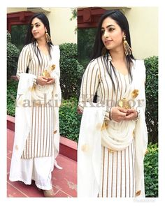 You don't have to make much effort with white and gold to look super classy  Perfect summer look  . . . #ootd #potd #white #gold #longkurta #salwarkameez #style #stylist #styleblogger #yellow #fashionblogger #fashion #summer2018 #summerstyle #palazzopants #palazzo #delhiboutique #delhi #canada #toronto #usa #london #yankitakapoor #onlineshopping #onlinestore