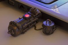 32 Gb USB Steampunk Gadgets, Steampunk Goggles, Usb, Home Appliances, Flash Memory, Creative, Accessories, Blue Prints, House Appliances