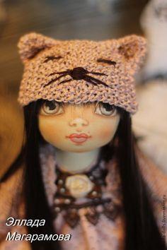 Купить или заказать Игровая кукла Мишэль. в интернет-магазине на Ярмарке Мастеров. Игровая текстильная кукла Мишэль, близкие зовут ее Миша. Девочка с характером, любит круассаны, пышные юбки и необычные шапочки. Длинные, гладкие волосы спускаются до пола, их можно заплести в косы или завязать в озорные хвостики, а можно оставить как есть. Игровая текстильная кукла Мишэль - маленькая кукла, как маленькая девочка, с огромными, карими глазами. Вся одежда и обувь полно…