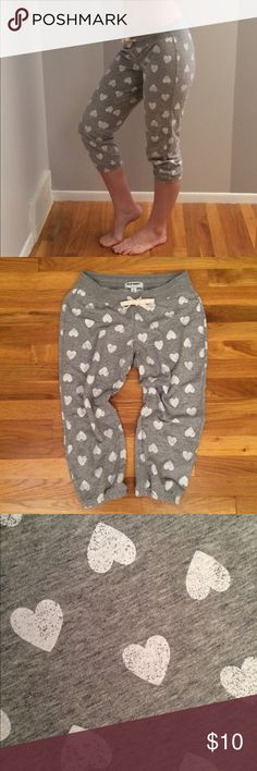 🖤5 for $25🖤 Heart Capris Sweatpants GREAT CONDITION! Old Navy Pants Track Pants & Joggers
