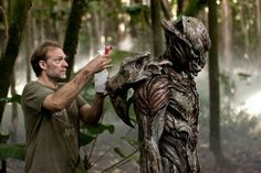 Predators / The alien creature that pursues Edwin (Topher Grace) through the jungle during the ambush scene is a slightly modified version of the original, abandoned Predator design from Predator Movie, Alien Creatures, Creature Design, Great Movies, Movie Quotes, Behind The Scenes, Gallery, Trivia