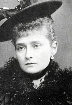 Empress Alexandra was beautiful but unfortunately she seldom smiled in photographs.  In those photos that I've seen where she is smiling, her smile lights up her face and makes her more beautiful.