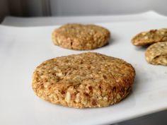 oatmeal cookies - oatmeal cookies & oatmeal cookies easy & oatmeal cookies healthy & oatmeal cookies chewy & oatmeal cookies recipes & oatmeal cookies chocolate chip & oatmeal cookies easy 2 ingredients & oatmeal cookies with quick oats Healthy Oatmeal Cookies, Oatmeal Cookie Recipes, Oatmeal Chocolate Chip Cookies, Almond Cookies, Easy Smoothie Recipes, Snack Recipes, Healthy Smoothie, Biscuit Vegan, Coconut Recipes