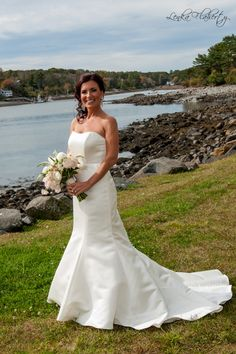 Bridal Pose At Seacoast Themed Wedding In Maine Poses Muslim Dresses