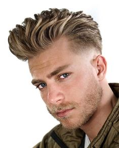 20+ Textured Haircut Ideas for Men - Men's Hairstyle Tips #quiffhaircut #menshairstyles #menshaircut #menshaircuts #texturedhaircut Mens Summer Hairstyles, Quiff Hairstyles, Summer Haircuts, Cool Hairstyles For Men, Cool Haircuts, Haircuts For Men, Blonde Hairstyles, Hairstyle Ideas, Surfer Hairstyles