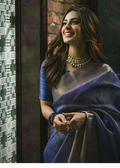 Kleider für feste Do You Show Your Love To Your Child? Sari Blouse, Sari Dress, The Dress, Ruffle Blouse, Indian Fashion Dresses, Dress Indian Style, Indian Designer Outfits, Indian Designers, Indian Bridal Fashion