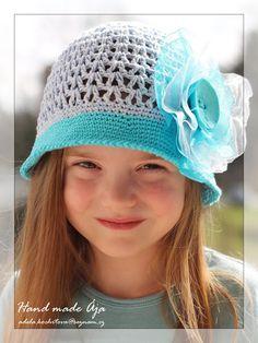 Crochet with love - Hand made Ája: Klobouček made by Ája :) Sombrero A Crochet, Crochet Baby Hats, Knit Crochet, Knitting For Kids, Crochet For Kids, Crochet Stitches Patterns, Stitch Patterns, Girl With Hat, Summer Hats