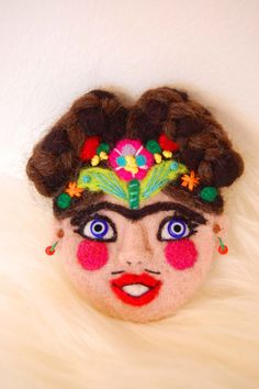 Frida Kahlo brooch, needle felted wool, wearable art brooch, fiber art, Frida Kahlo art, Frida Kahlo Pin, Woman Artist, Frida Kahlo gift