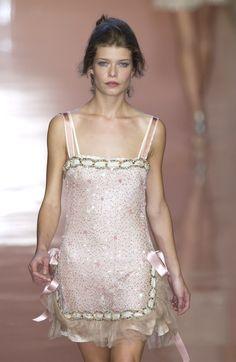 90s Fashion, Couture Fashion, Runway Fashion, High Fashion, Fashion Show, Vintage Fashion, Fashion Outfits, Womens Fashion, Fashion Design