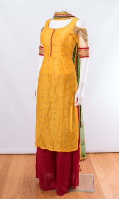Salwar kameez ONLINE usa Silk brocade top with golden embroidery with matching bottom and dupatta Dress Indian Style, Indian Fashion Dresses, Indian Designer Outfits, Indian Outfits, Designer Dresses, Indian Clothes, Pakistani Dresses, Silk Kurti Designs, Salwar Designs