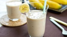 Peanut Butter Banana Smoothie + other smoothie recipes Juice Smoothie, Smoothie Drinks, Breakfast Smoothies, Healthy Smoothies, Healthy Drinks, Banana Breakfast, Lemon Smoothie, Matcha Smoothie, Coconut Smoothie