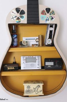 Guitar shelf