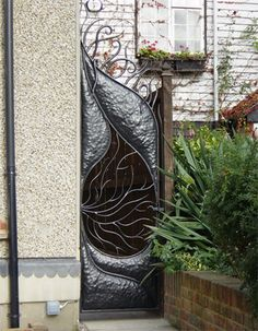 Another one from Bex. It looks like there is a glass insert in the gate. Very cool.